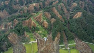 日本北海道地震引发的山体滑坡2018年9月7日