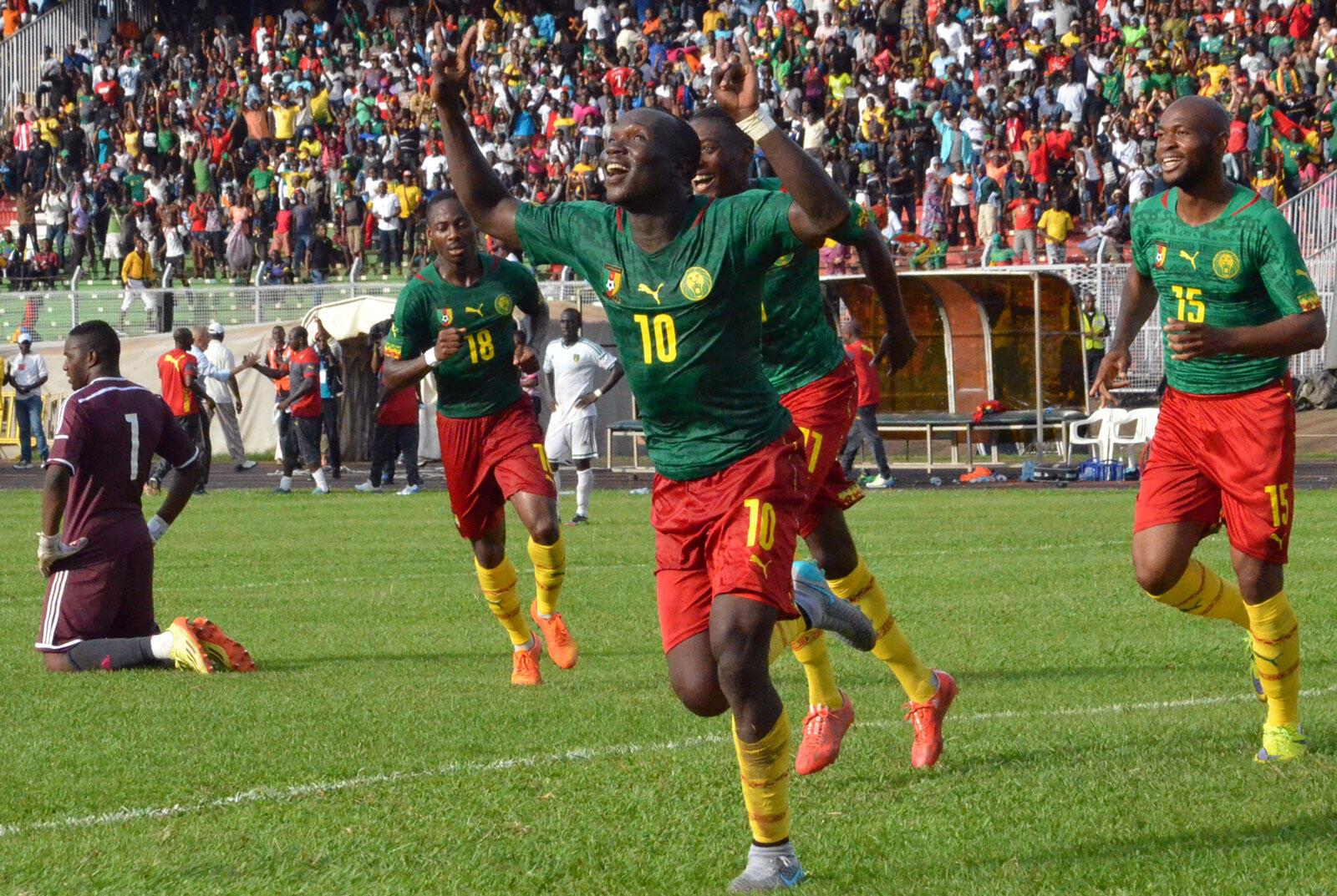 Timu ya soka ya Cameroon yapokelewa Rwanda kushiriki katika mchuano wa kimataifa wa kirafiki na Amavubi timu ya taifa ya soka ya Rwanda).