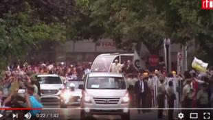 教皇方济各15地抵达智利首都圣地亚哥