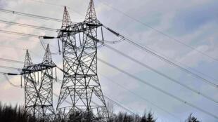 قرارداد خرید برق عراق از شورای همکاری خلیج فارس تا حدود دو سال دیگر اجرایی میشود.