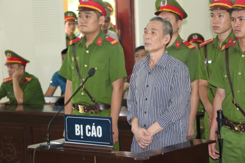 Nhà hoạt động Lê Đình Lượng tại phiên tòa ở Nghệ An, 16/08/2018.