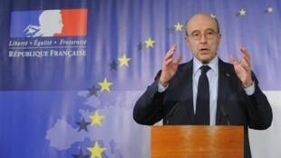 Le ministre français des Affaires étrangères, Alain Juppé à Bruxelles, le 21 mars 2011.