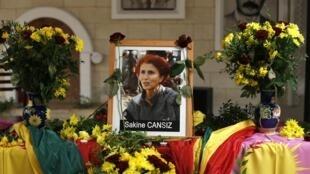 巴黎库尔德文化中心里康西兹的像,2013年 1月10日