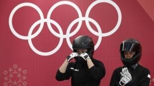 La bobeuse russe Nadezhda Sergeeva (à droite de sa coéquipière Anastasia Kocherzhova) a été contrôlée positive lors des JO 2018 d'hiver à Pyeongchang.