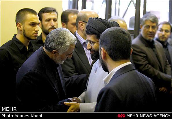 مجتبی، فرزند آیتالله خامنهای در کنار قاسم سلیمانی، فرمانده سپاه قدس