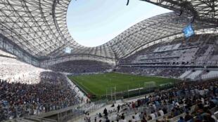 O Olympique de Marseille disputou neste domingo (17) a primeira partida em seu estádio renovado.