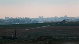 La bande de Gaza, photographiée le 8 septembre 2016 depuis Israël.