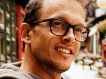 Mathieu Delahousse é um dos fundadores da Secoya Eco Tournage, que promove filmes mais ecológicas do roteiro à distribuição.