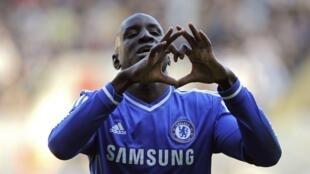 L'ex-attaquant de Chelsea, Demba Ba, ne disputera pas la CAN 2015 avec sa sélection du Sénégal.