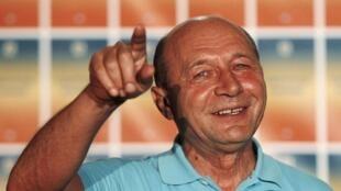 លោកប្រធានាធិបតី Traian Basescu ថ្លែងទៅកាន់អ្នកកាសែត នៅថ្ងៃអាទិត្យ៣០ កក្កដា ក្រោយពេលចេញលទ្ធផលប្រជាមតិ
