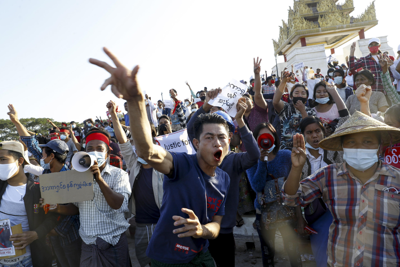 birmanie-manifestation-coup