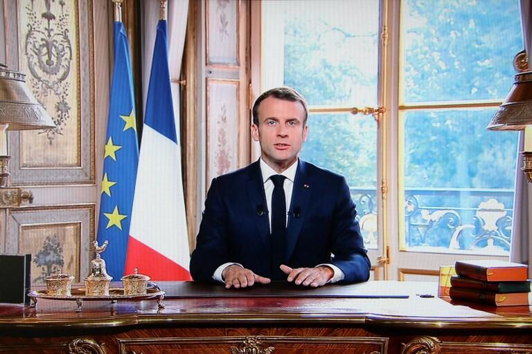 Hoton Shugaban Faransa Emmanuel Macron yayin jawabinsa a fadar Elysee bayan fitowar sakamakon zaben raba gardamar yankin na Caledonia.