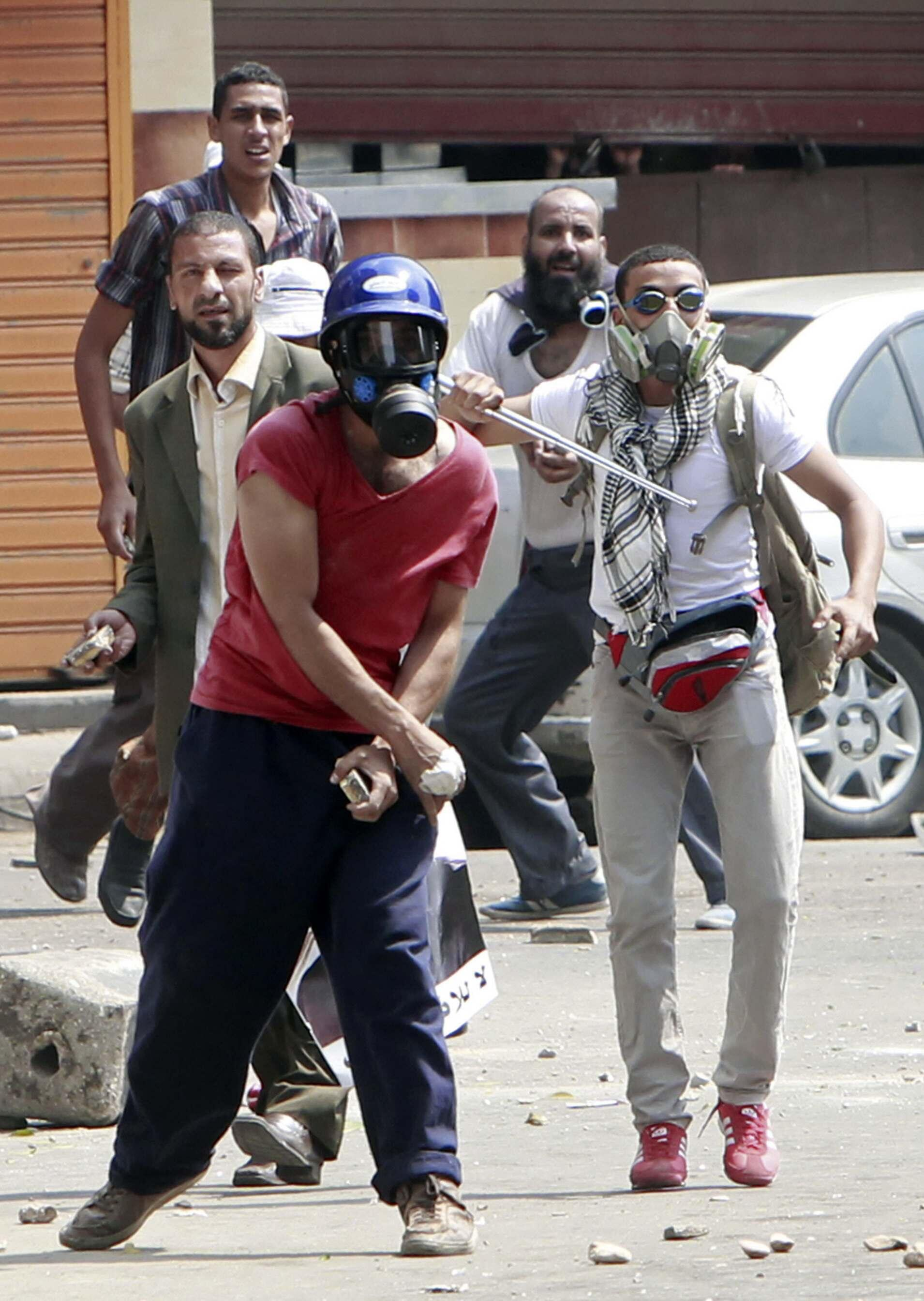 Des partisans de Mohamed Morsi ont affronté des habitants du quartier populaire d'Abdin.