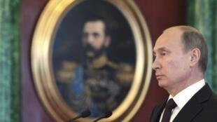 Tổng thống Nga trả lời báo chí về Snowden. Ảnh ngày 01/07/2013