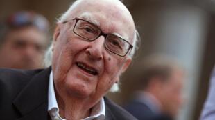 - L'écritain sicilien Andrea Camilleri, père du commissaire Montalbano, est décédé mercredi à l'âge de 93 ans.
