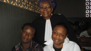 Maître Alice Nkom et Jonas et Franky à l'audience du procès en appel le vendredi 20 juillet 2012