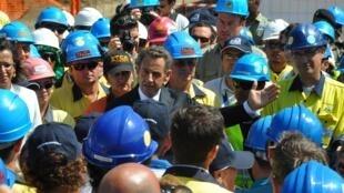 Le président français lors de la visite d'une mine de nickel dans le nord de la Nouvelle-Calédonie le 27 août 2011.