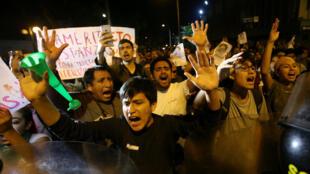 Peru : Biểu tình tại Lima chống việc cựu tổng thống Fujimori được ân xá. Ảnh 25/12/2017.