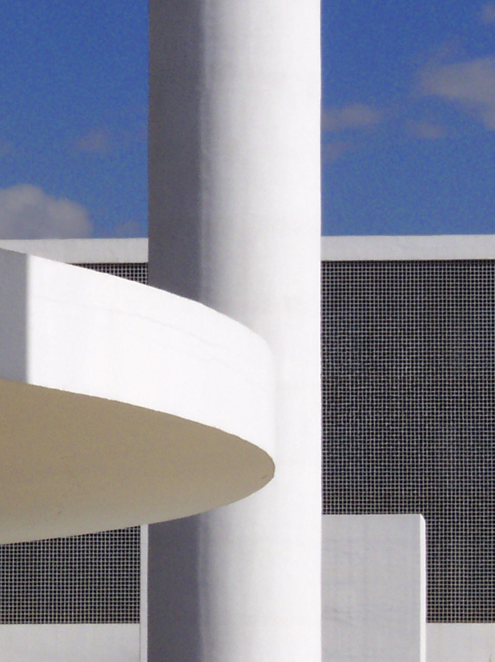 """Foto que faz parte da exposição """"As arquiteturas de Oscar Niemeyer"""", no Espaço Daniel Sorano."""
