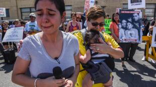 Protesto contra política de Trump que separa crianças imigrantes de suas famílias, quando eles entram nos Estados Unidos sem documentos, em 17 de junho de 2018.