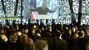 Le Premier ministre Jean-Marc Ayrault, le 12 janvier au musée des civilisations de l'Europe et de la Méditerranée (Mucem) à Marseille.