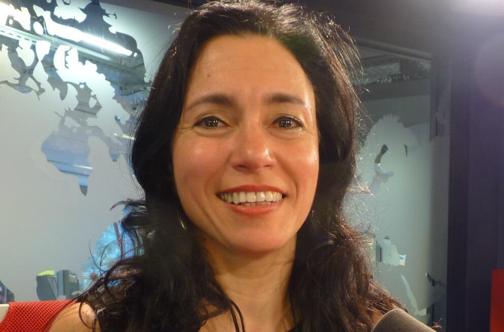 Florencia Avila en los estudios de RFI