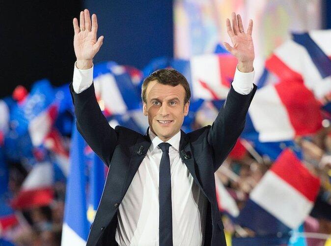 امانوئل ماکرون، یک سال پیش در روز هفتم ماه مه ٢٠١٧ بدون وابستگی به هیچیک از احزاب سنتی فرانسه به ریاست جمهوری این کشور انتخاب شد.