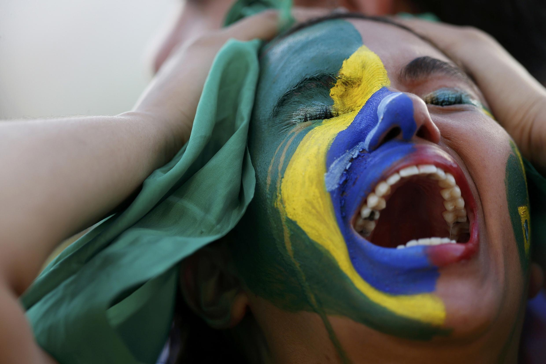 Torcida brasileira se desespera com derrota do Brasil para a Alemanha nesta terça (8), no Mineirão, em Belo Horizonte.