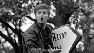 Cohn-Bendit toma la palabra en la gran manifestación de París el 13 de mayo de 1968.