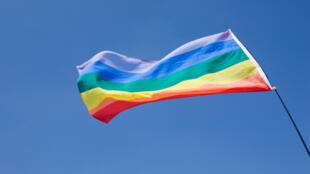 Drapeau symbole de la lutte pour les droits des homosexuels.