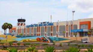 Ilha do Sal em Cabo Verde vai relançar turismo internacional reabrindo as portas em julho depois do confinamento