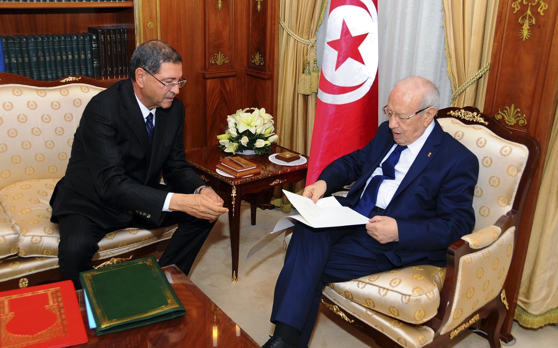Le président Béji Caïd Essebsi et le nouveau Premier ministre Habib Essid, le 23 janvier 2015.