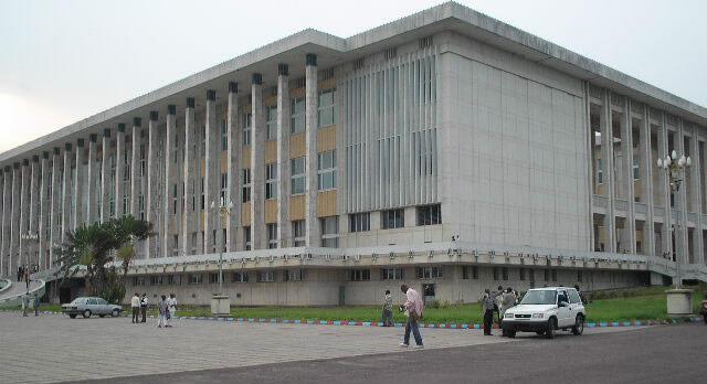 Le palais du Peuple, à Kinshasa, République démocratique du Congo.