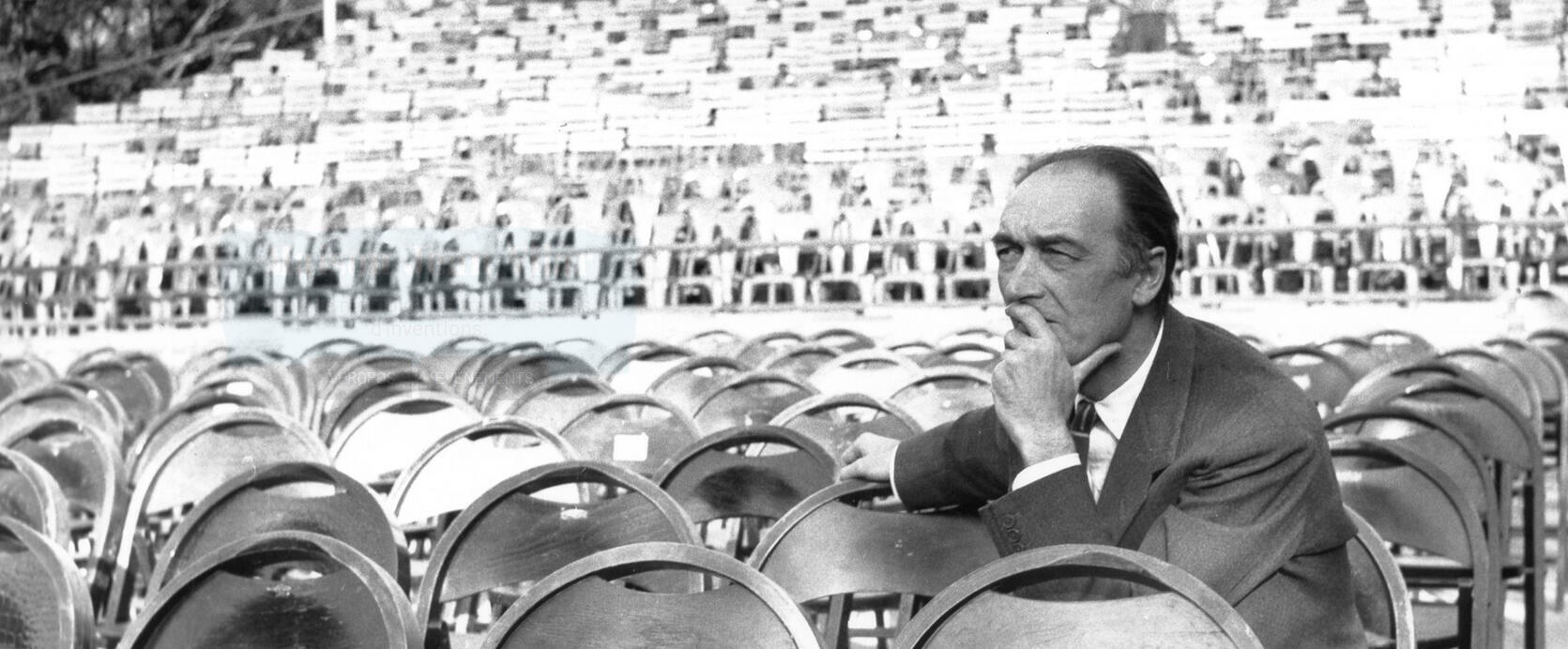 Jean Vilar (1947 - 1971) en el Palacio de los Papas de Aviñón.