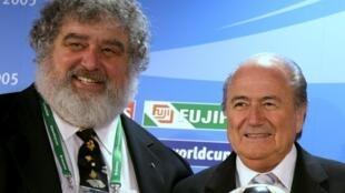 Chuck Blazer, ex presidente de la CONCACAF y Joseph Blatter, presidente de la FIFA