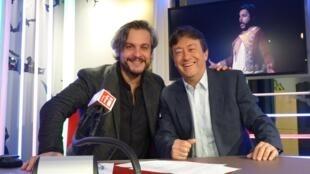 Nahuel Di Pierro con Jordi Batallé en el estudio 151 de RFI