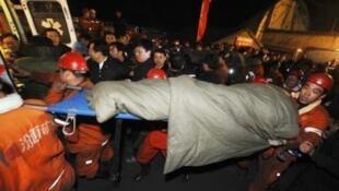 今年4月王家嶺礦難救援照片。