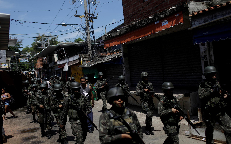 Operação policial contra traficantes de drogas em Jacarezinho, 18 de janeiro de 2018, no Rio de Janeiro.