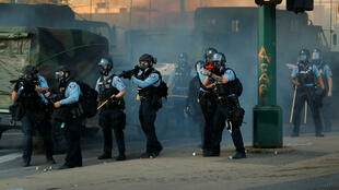 2020-05-30T152727Z_991361382_RC23ZG9VKP7D_RTRMADP_3_MINNEAPOLIS-POLICE