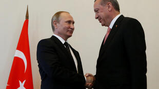 Президент России Владимир Путин и президент Турции Реджеп Тайип Эрдоган на встрече в Санкт-Петербурге, 9 августа 2016.