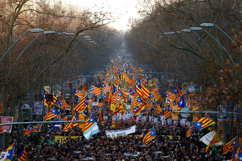Манифестация в Барселоне 16 февраля 2019.