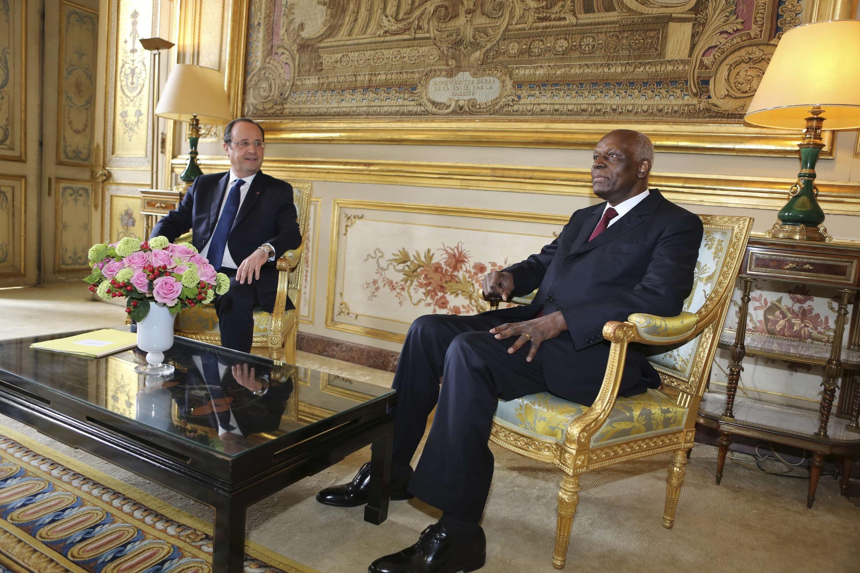 Le président angolais, José Eduardo Dos Santos, reçu, ce mardi 29 avril 2014, à l'Elysée, par son homologue français, François Hollande.