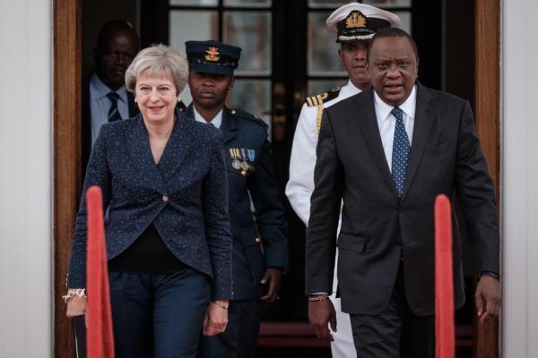 Theresa May avec le président du Kenya, Uhuru Kenyatta en 2018.