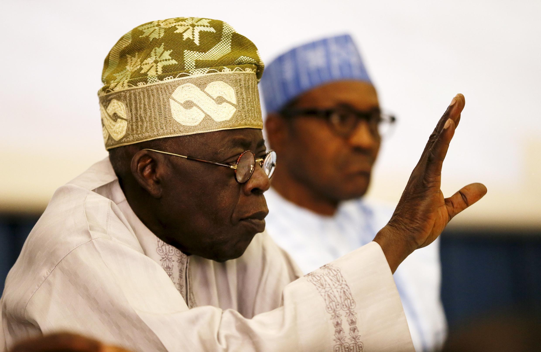 Jagoran APC na kasa, Bola Ahmed Tinubu da kuma shugaban kasa, Muhammadu Buhari