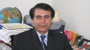 هوشنگ حسن یاری استاد روابط بین الملل و مسائل استراتژیک در کالج سلطنتی نظامی کانادا