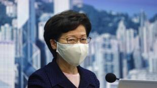香港行政长官林郑月娥宣布由于冠状病毒病例增加,原定于9月举行的立法选举推迟一年。2020年7月31日香港