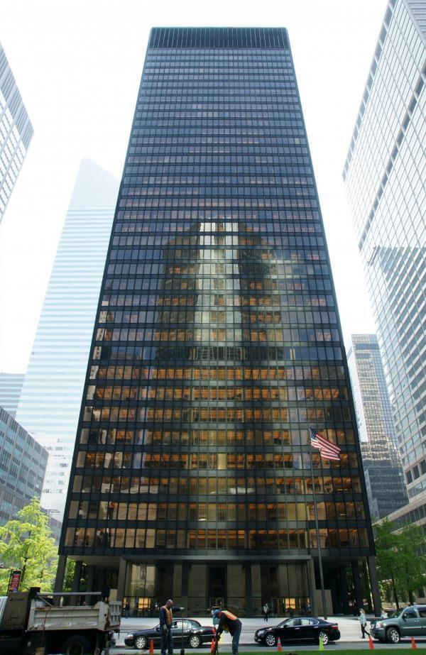 The Seagram Building in New York city, builit in 1958, it is one of the most notable examples of corporate modern architecture