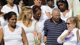 Ông A. Ramos trong cuộc tuần hành đầu tiên sau khi được trả tự do