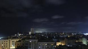Una vista general de la Ciudad de Gaza el 18 de junio de 2021, que vivió nuevos ataques aéreos israelíes