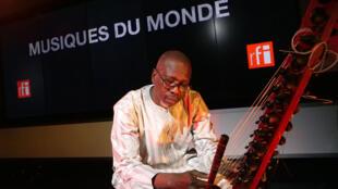 Musique - Ballaké Sissoko à RFI - Musiques du monde